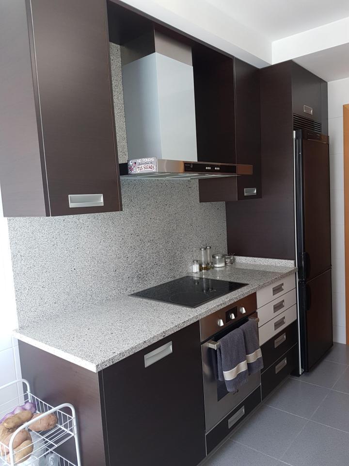 Piso amueblado en zona residencial nuevo con garaje-3