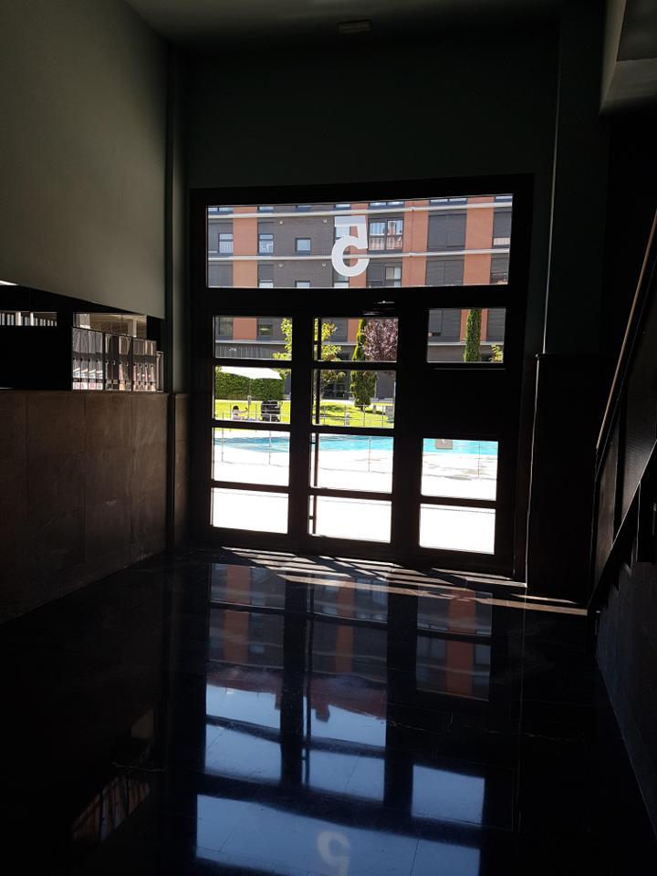 Piso amueblado en zona residencial nuevo con garaje-22