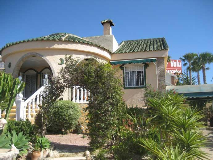 Chalet en venta en Gran Alacant – #211