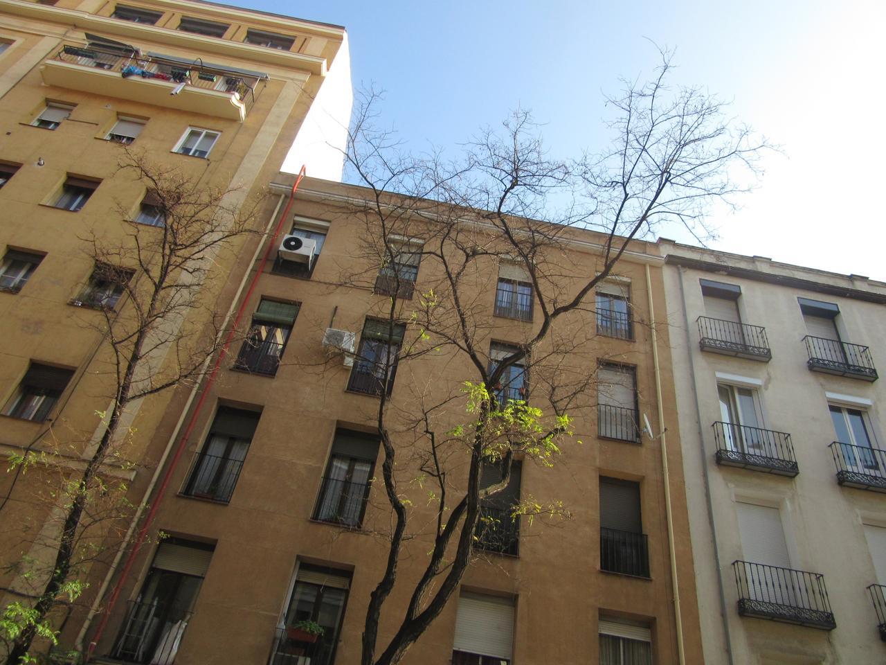 Vivienda madrid piso en calle de la batalla del salado for Pisos en delicias madrid