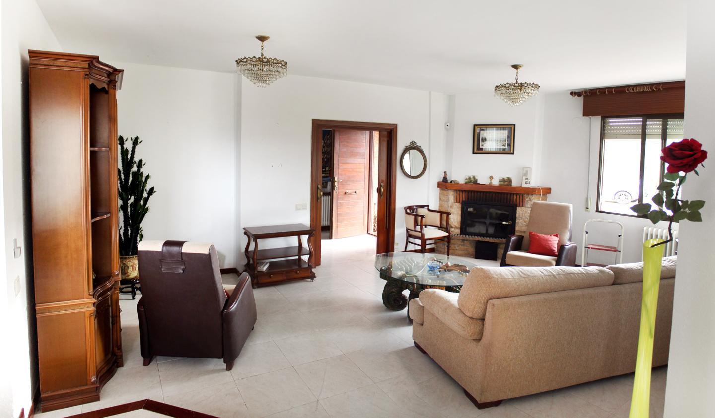 Villa en venta en Alberite
