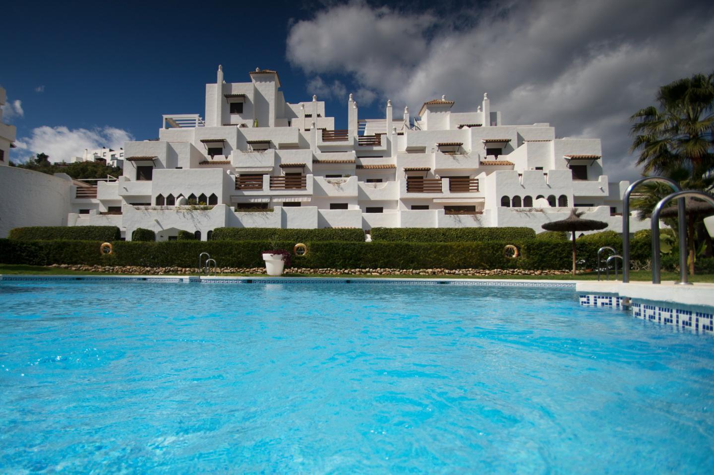 Wohnung  zum Verkauf    in Estepona