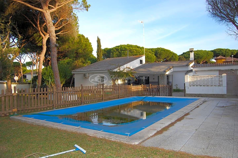 Fabuloso Chalet en Alquiler en la zona de La Barrosa, Chiclana de la Fra., Cádiz