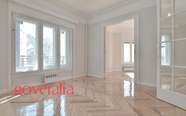 Goveralia real estate oficina en alquiler en madrid de for Oficinas amazon madrid