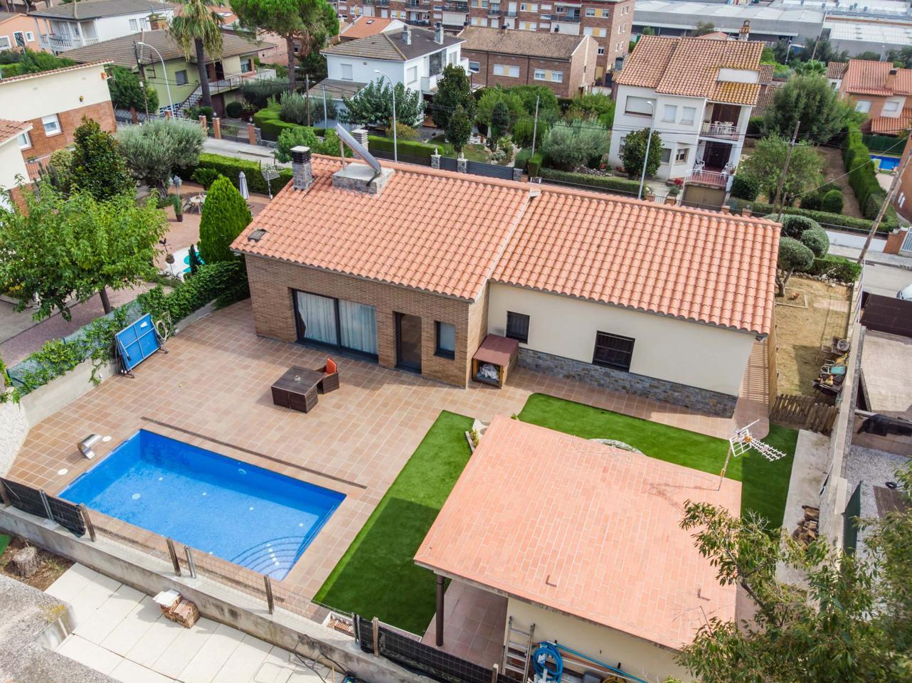 villa en montmelo · carrer-cervantes-08160 495000€