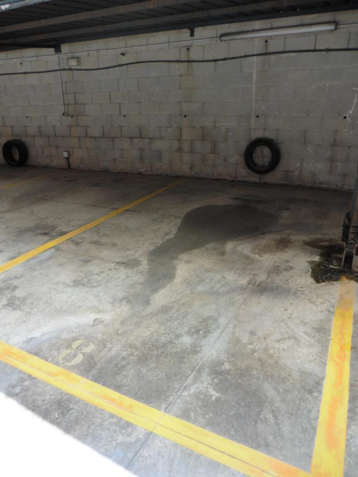 parking en montmelo · placa-del-millenari-08160 6800€