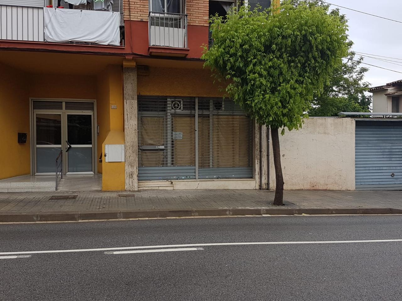 local-comercial en montornes-del-valles · centro €