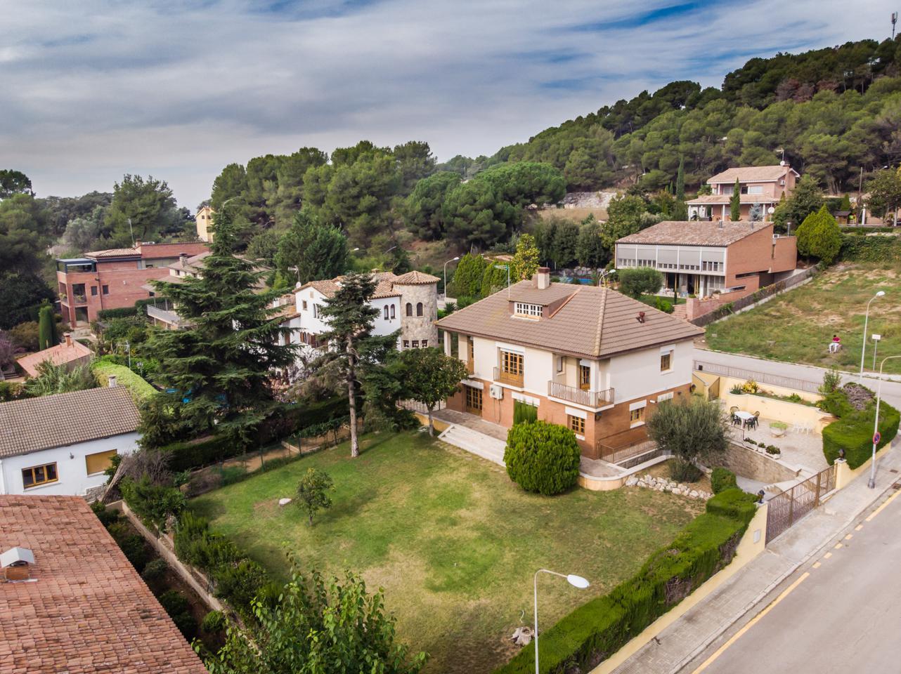 villa en martorelles · carrer-de-dionis-girona-8-08107 495000€