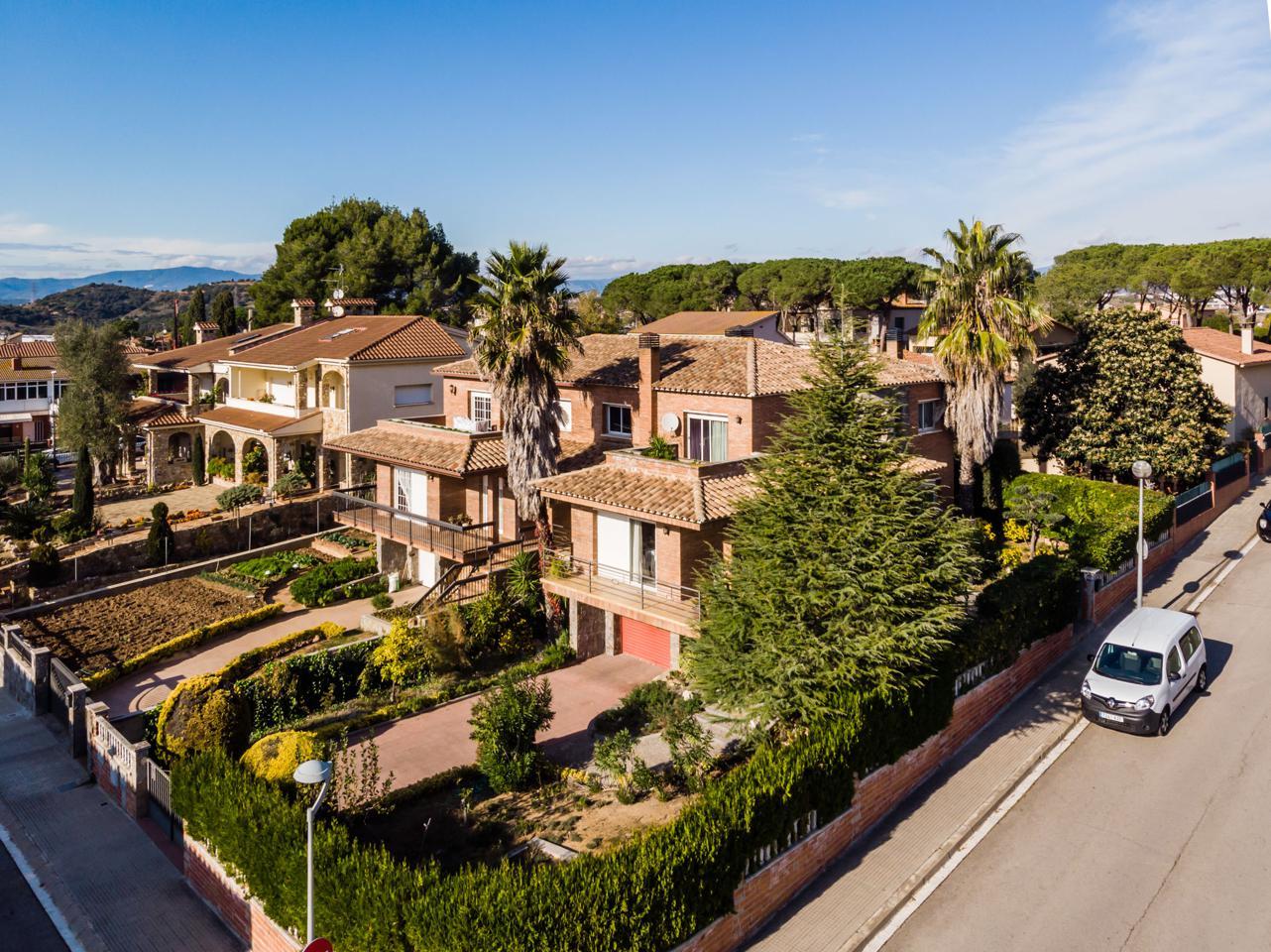 villa en montornes-del-valles · carrer-de-rafael-alberti-08170 415000€