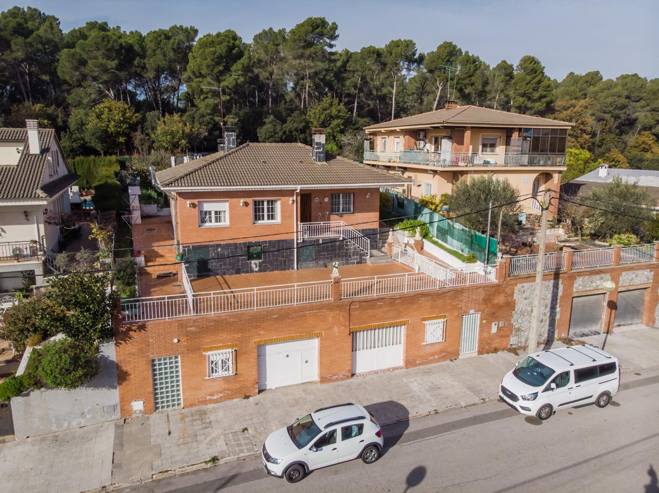 villa en llica-d'amunt · passeig-de-sant-valeria-08186 250000€