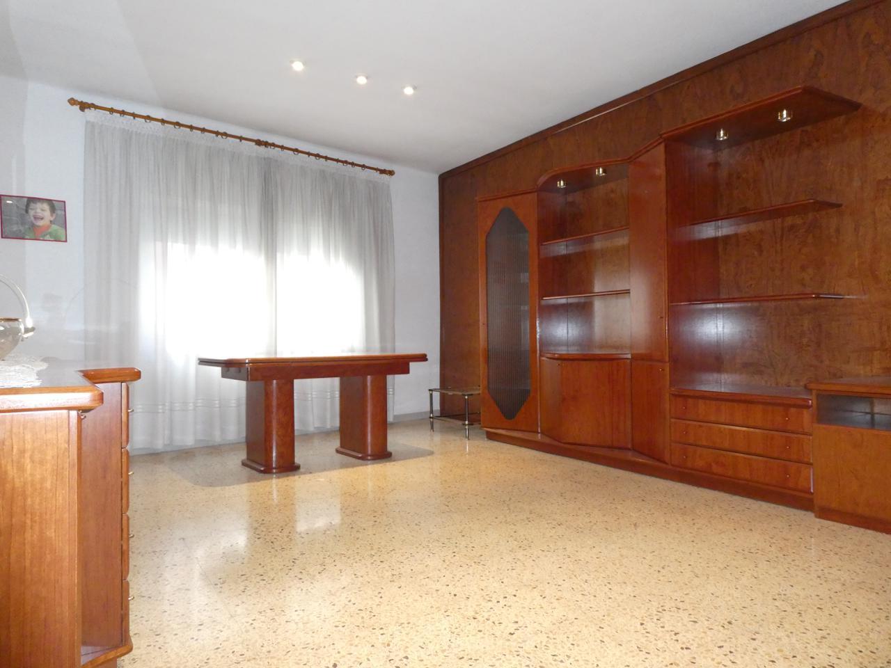 piso en montornes-del-valles · carrer-de-l'estrella-08170 135000€