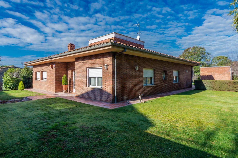 villa en l´-ametlla-del-valles ·  590000€