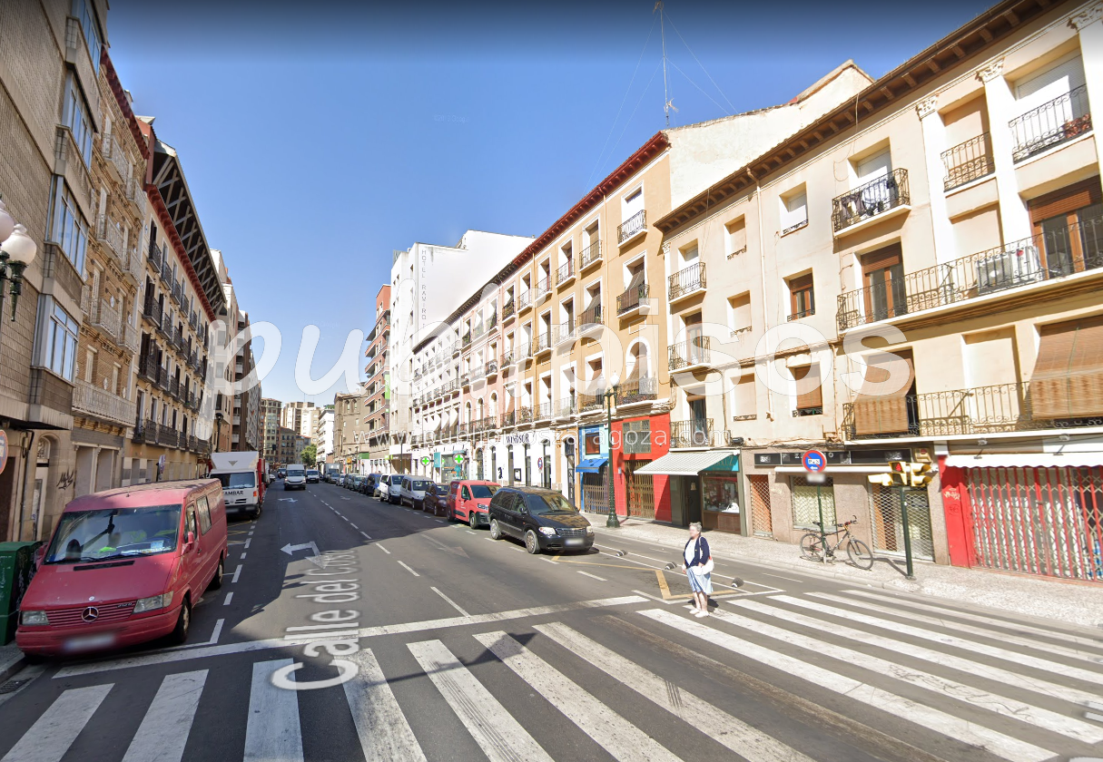 Venta de local comercial en Coso Zaragoza-9