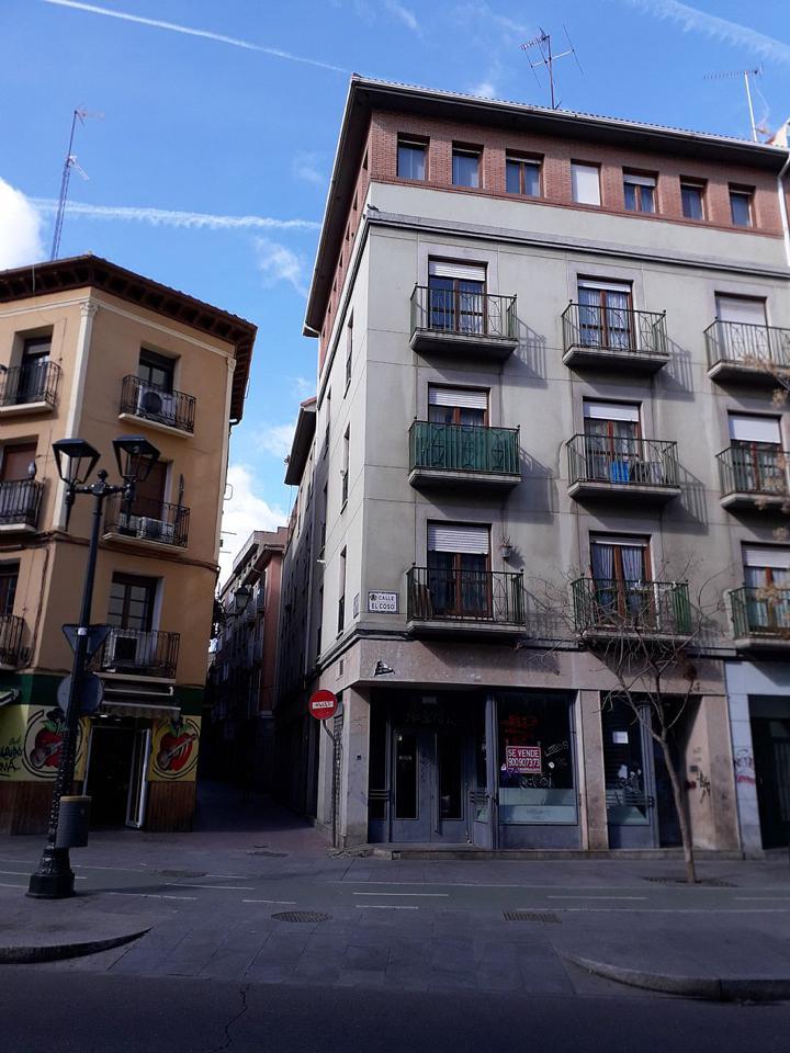Venta de local comercial en Coso Zaragoza-16