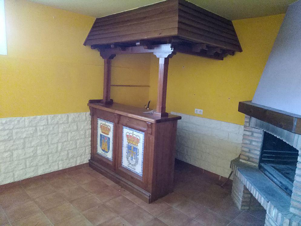 Venta de chalet adosado en Cadrete OPORTUNIDAD-4
