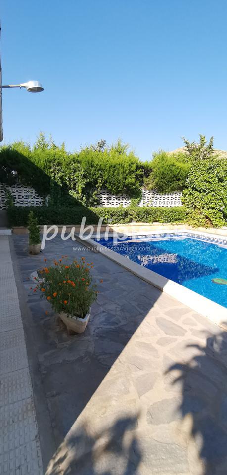 Chalet en venta con piscina en Cadrete-4