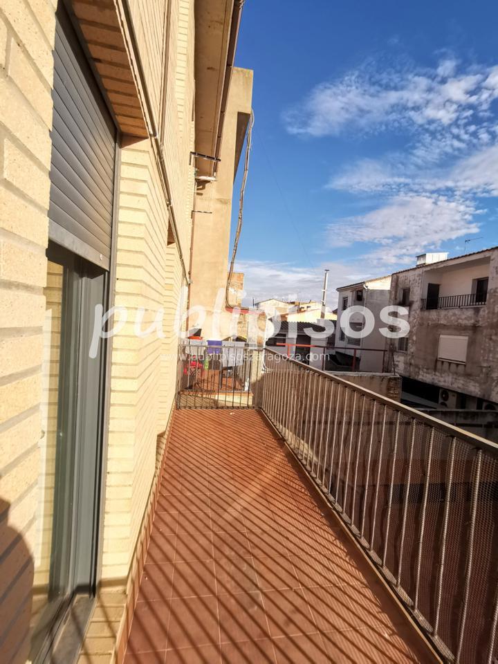 Piso económico con garaje La Puebla de Alfinden-2