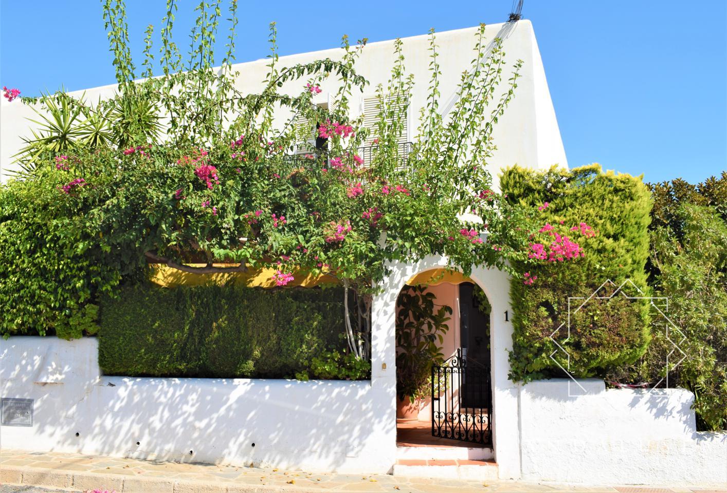 Villa Calle las Artesas, Vista de los Ángeles-Rumina