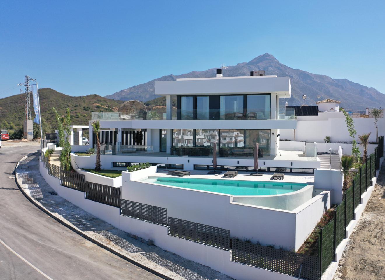 villas en nueva-andalucia · calle-pleyades-29660 2800000€