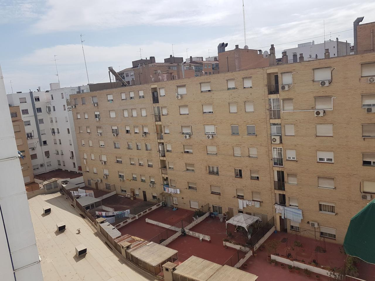 Piso reformado en alquiler junto Plaza Europa-7