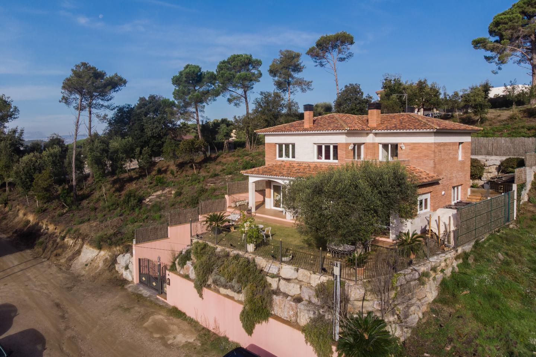 villa en vallromanes · carrer-de-lleida-08188 478000€
