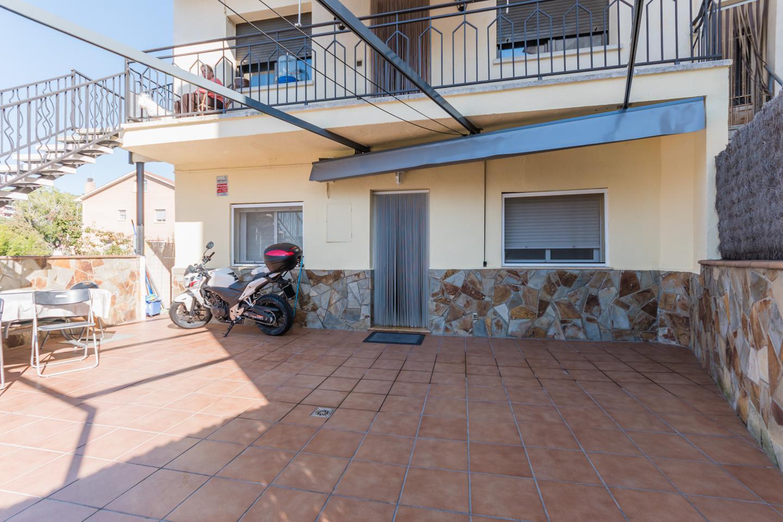 piso en martorelles · carrer-granada-8-08107 209000€