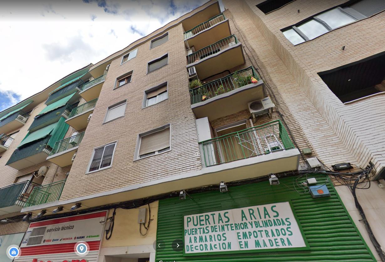 Venta de piso en calle Arias Delicias-4