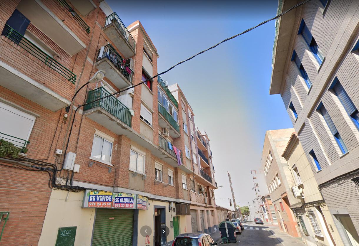 Venta de piso en calle Oviedo Torrero-2