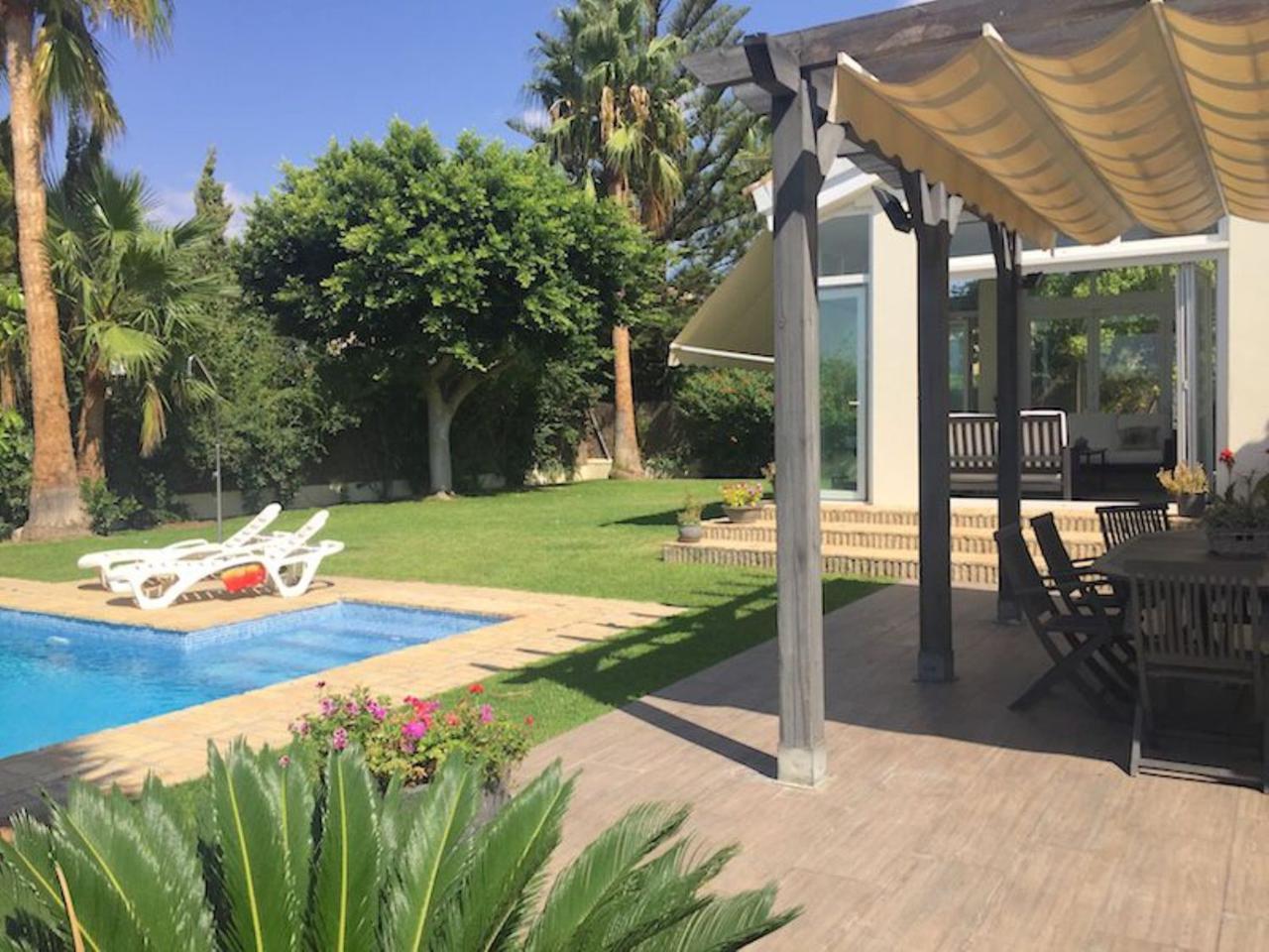 Morillo&Cía.   Casa / Chalet en alquiler en Cádiz de 247 m2