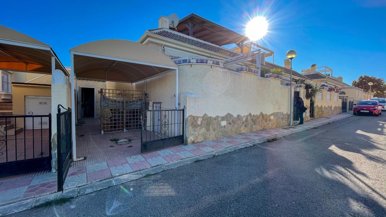 Chalet en venta en Gran Alacant, Monte y Mar – #2262