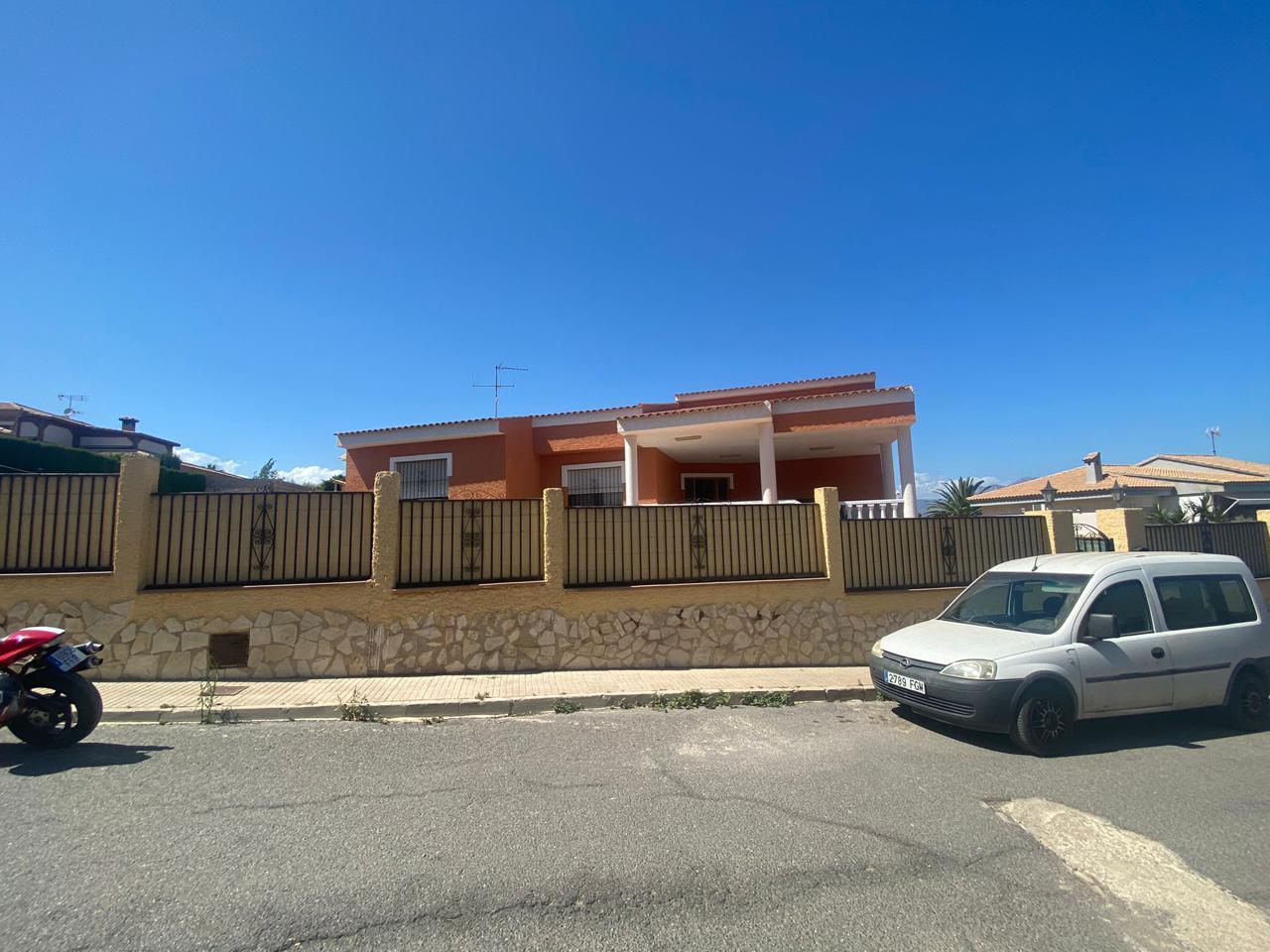 villas en mutxamel · carrer-del-llorer-03110 350000€