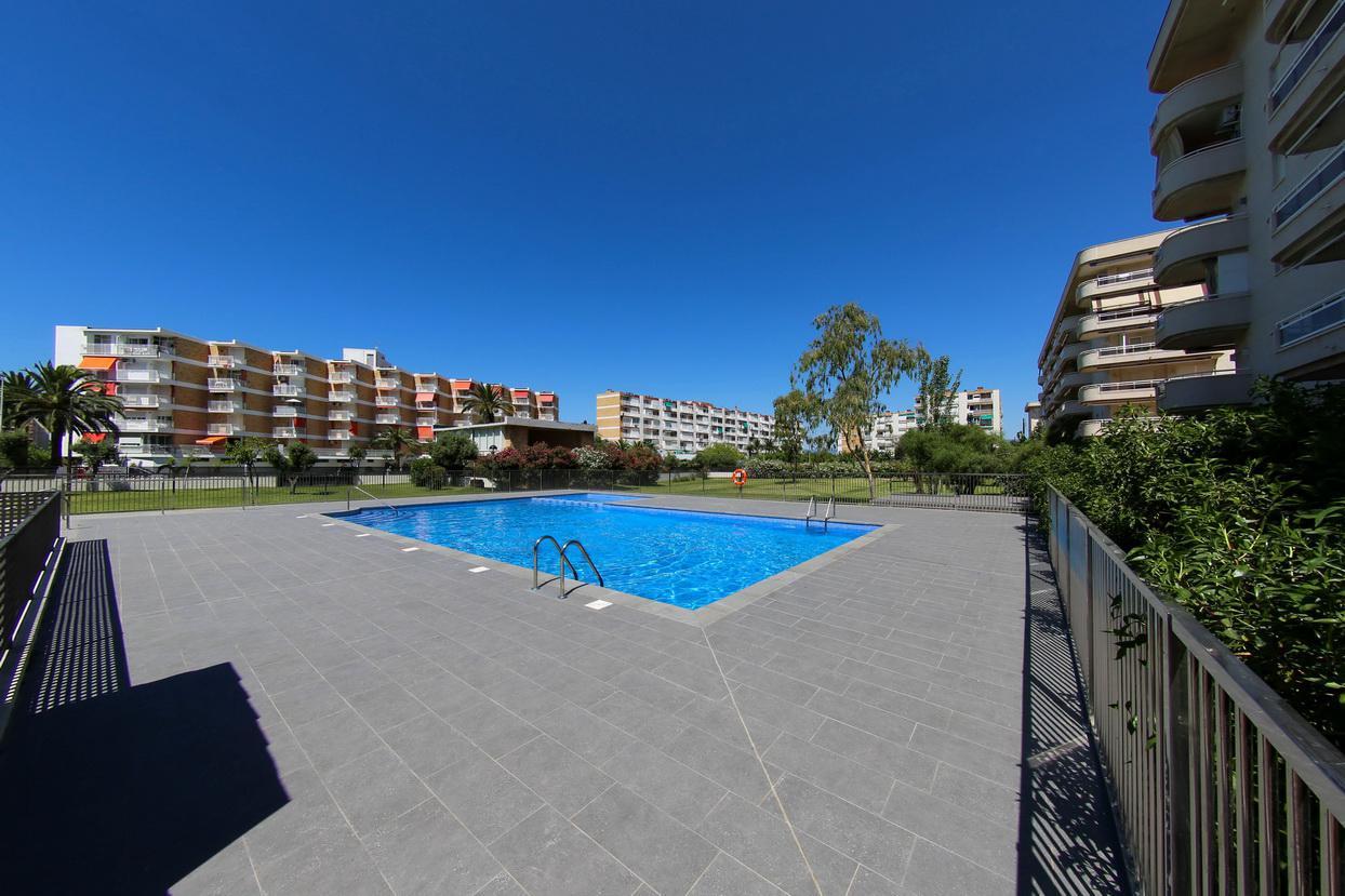 pisos en la-pineda · carrer-d'amadeu-vives-67-43481 73000€