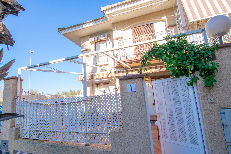Bungalow en venta en Santa Pola, Gran Playa – #2343