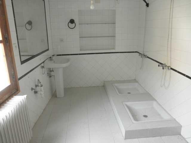 Casa en venta con 221 m2, 5 dormitorios  en Viguera