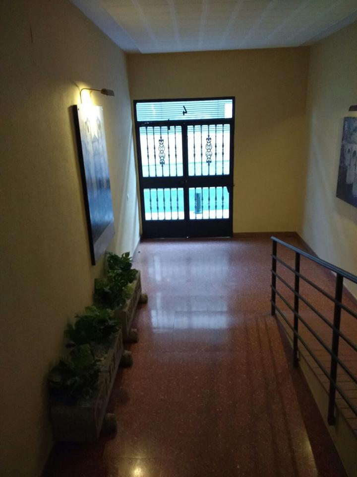 Piso en venta con 100 m2, 4 dormitorios  en Centro, Casco Antiguo (Các