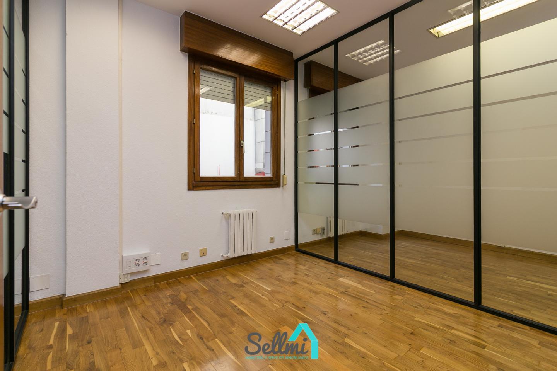 Sellmi inmobiliaria real estate oficina en alquiler for Alquiler oficina oviedo
