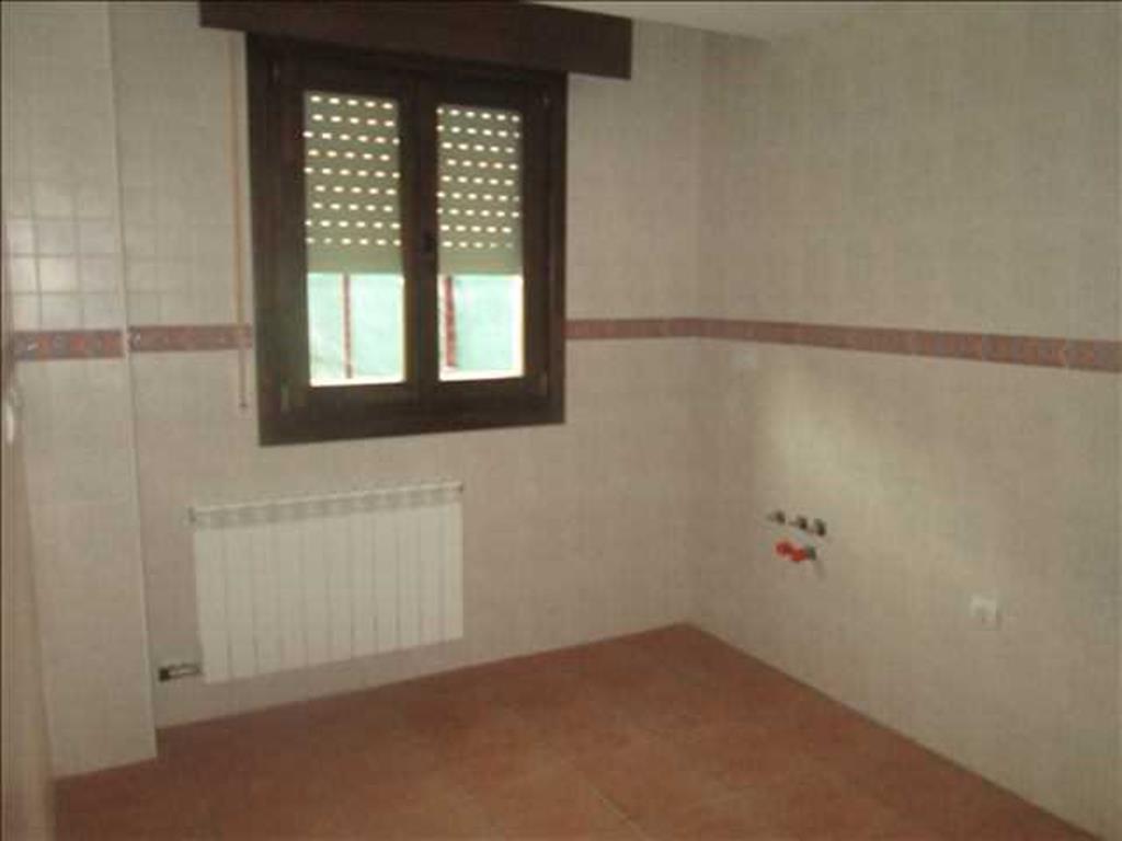 Piso en venta con 99 m2, 3 dormitorios  en Sojuela