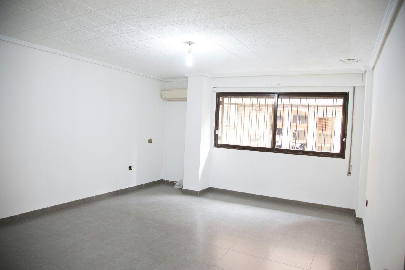 Piso en venta en torrent de 85 m2 for Pisos de bancos en torrente